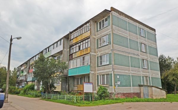 Трехкомнатная квартира улучшенной планировки в деревне Судниково